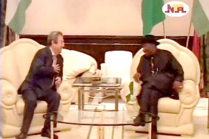 Jonathan & First Lady Host Former Israeli PM, Wife