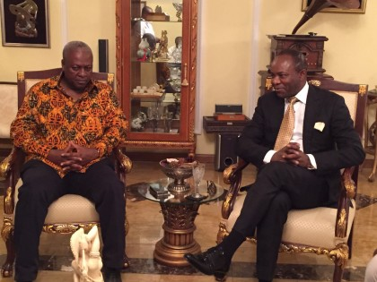 The Group Managing Director of the Nigerian National Petroleum Corporation (NNPC), Dr. Ibe Kachikwu (right), with President John Mahama (left) of Ghana at the meeting leading to the agreement on payment plan for gas supply debt by the Volta River Authority of Ghana