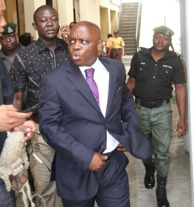 EFCC Arraigns Two SANs for Alleged Bribery