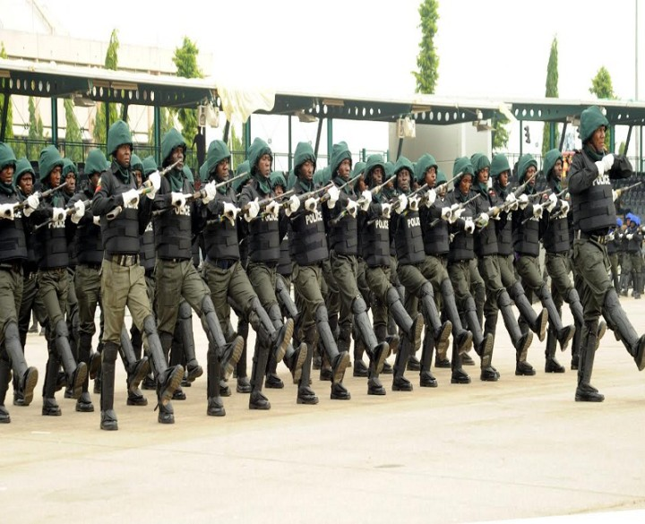 PIC.4.POLICE COUNTER TERRORISM SQUAD ON PARADE AT THE 2016 POLICE WEEK GRAND   FINALE PARADE IN ABUJA ON FRIDAY (1/4/16).  2664/1/4/2016/HF/ICE/CH/NAN