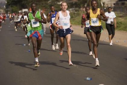 Darran+Bilton+GROE+2007+Nairobi+Marathon2[1]