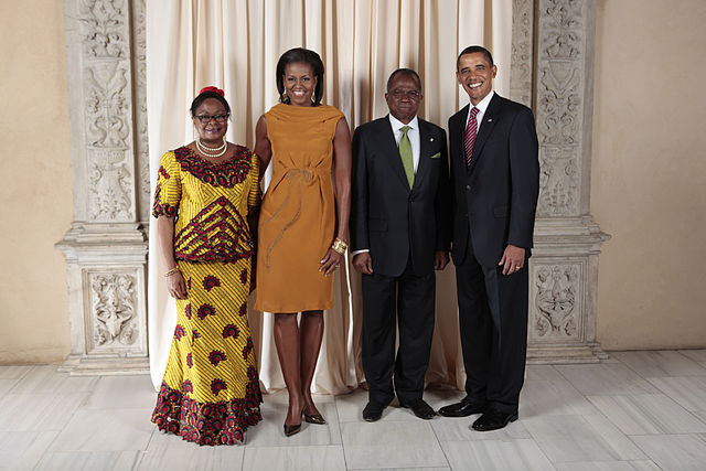 The Maduekes with the Obama(PHOTO: Wikimedia)