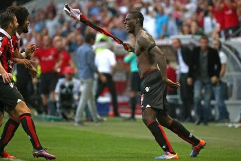 Dramatic -Balotelli- Scores -Late -Winner-Gets -Sent Off