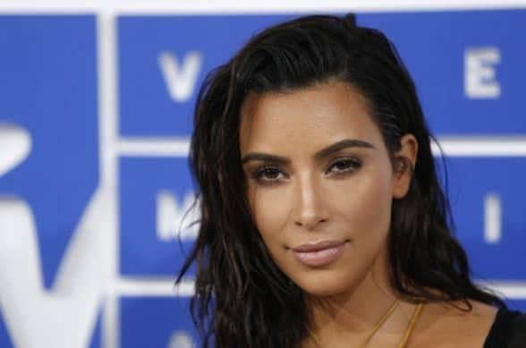 Kim Kardashian-robbed-gunpoint-paris