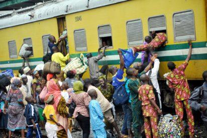 Passengers board free-train to osogbo for eid-el-kabir elebration in Lagos({PHOTO: UNKNOWN)