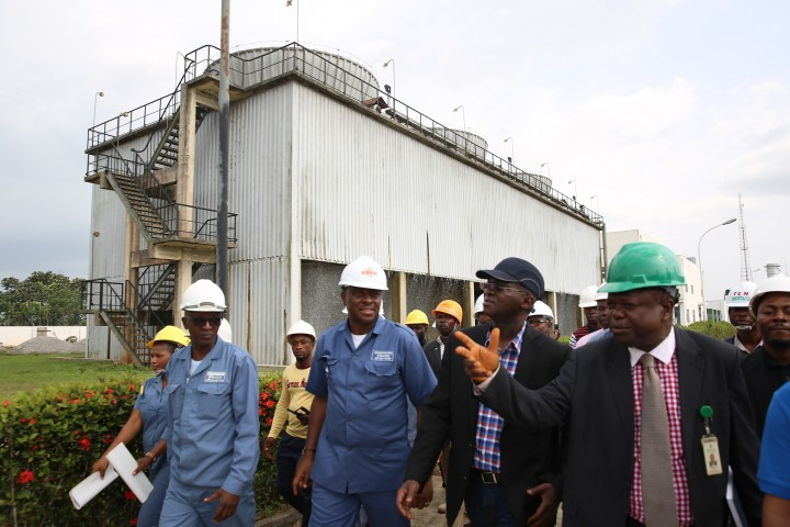 Hon. Minister of Power, Works & Housing, Mr Babatunde Fashola, SAN (2nd right) being conducted round by the Managing Director/CEO, Omotosho Generation Company Ltd, Engr. Samuel Itsekiri(right) and others during the Hon.Minister 's inspection tour of the Omotosho Generation Company Limited's Generation Plant in Ore, Ondo State on Day One of his inspection tour of Highway Projects in the South West Zone on Thursday 23,March 2017.