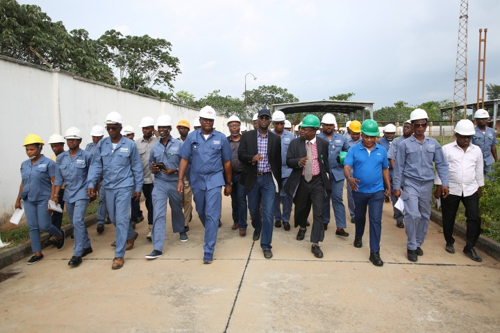 Hon. Minister of Power, Works & Housing, Mr Babatunde Fashola, SAN (middle) being conducted round by the Managing Director/CEO, Omoshoto Generation Company Ltd, Engr. Samuel Itsekiri(4th right) and others during the Hon.Minister 's inspection tour of the Omotosho Generation Company Limited's Generation Plant in Ore, Ondo State on Day One of his inspection tour of Highway Projects in the South West Zone on Thursday 23,March 2017.