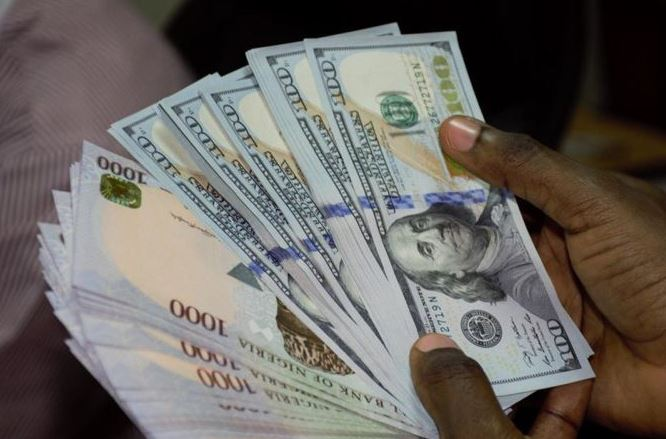 Dollar Loses To The Naira, Closed at 398 Naira to Dollar
