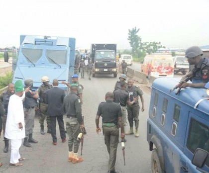 Dangerously Driving Apex Bank Van Rammed Into Governor's Convoy