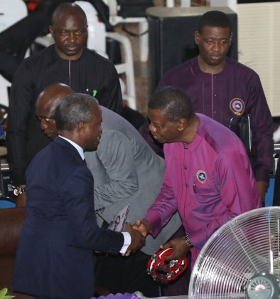 #NewsInPhoto: Osinbajo With Pastor Adeboye At  RCCG Region 10 Family Programme