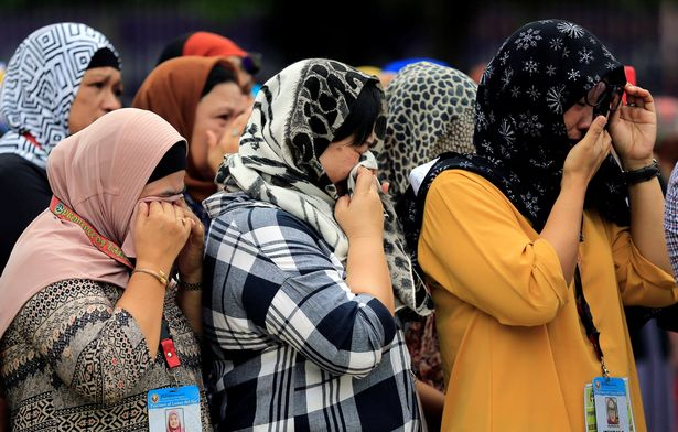 Muslims lend Christians hijab to escape ISIS in Philippines