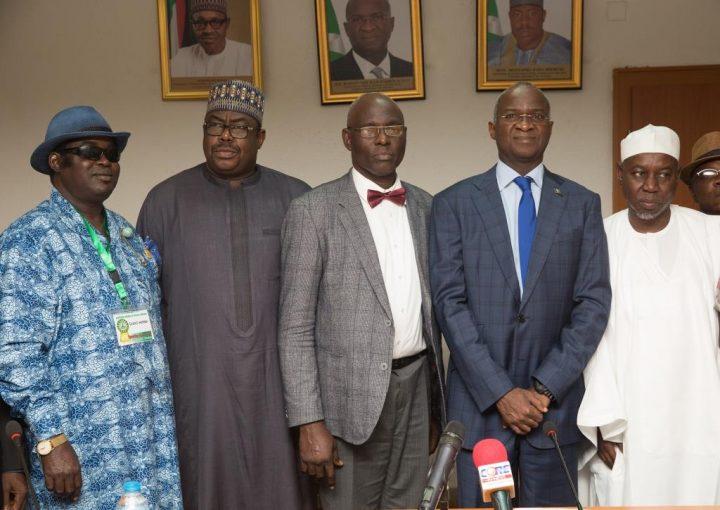 minister-fashola-survey-iauguration
