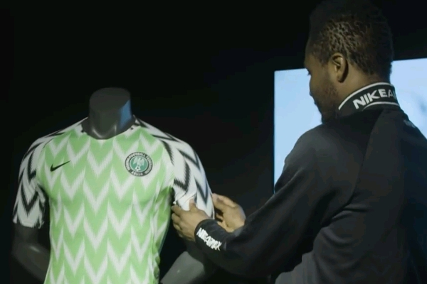 Nigeria launch their (mad) new kit for World Cup & there's bucket hats