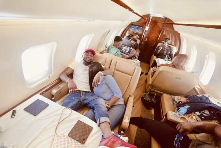 davido-crew-in-private-jet