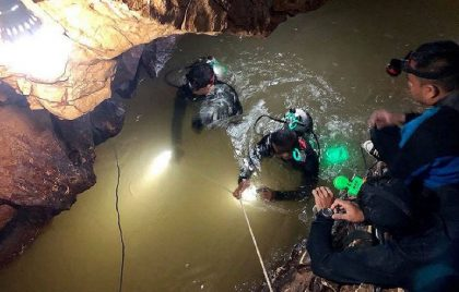 Thai Diver Dies In the Cause of Rescue Search for Trapped Boys
