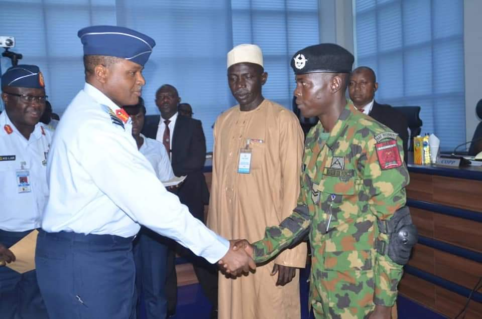 Bashir Umar, Aircraftman Who Returns €37,000 to Owner gets Rewarded by Nigeria AirForce