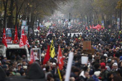 France braces for mass protests over pension reform