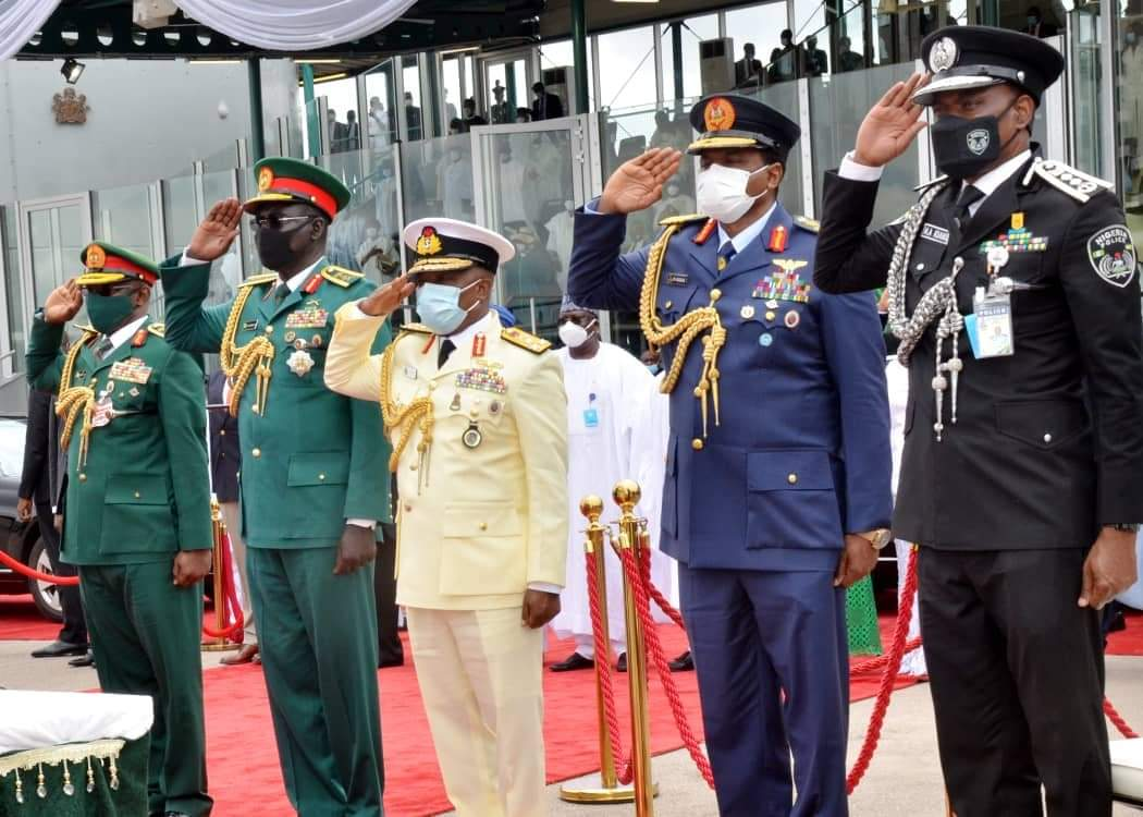 #NigeriaAt60: President Buhari Reviews National Parade