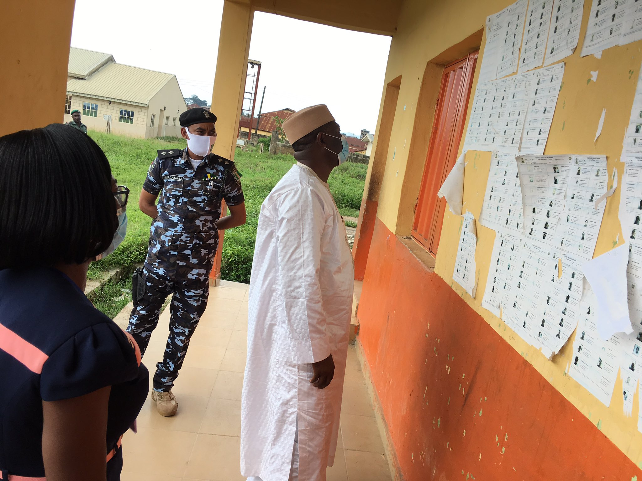 NewsInPhoto: INEC Chairman, Prof. Mahmood Yakubu on Readiness Assessment Visit to Ondo